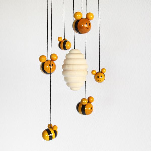 ミツバチ部分アップ
