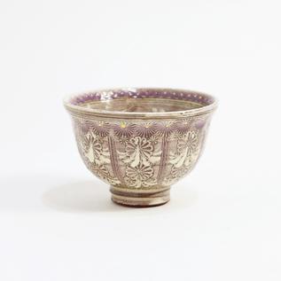 ぐい呑 紫彩間取華紋