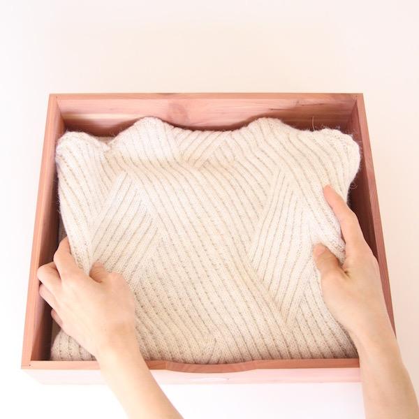 大事なセーターをシダーの香りで守る