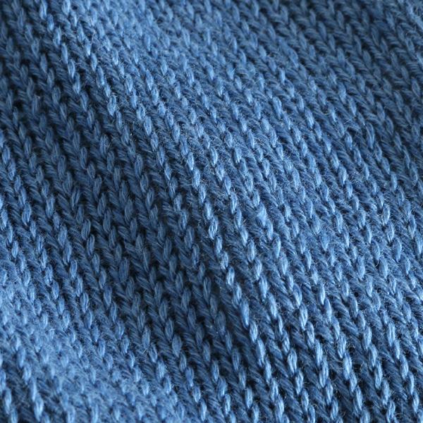 麻とコットンが織りなすさらりとした肌触り(画像は別色のChalk Blue)