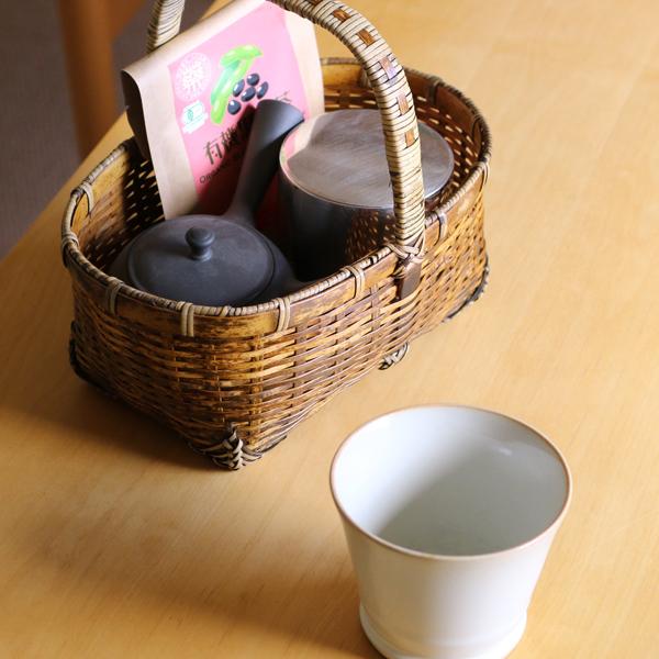 お茶道具やテーブル周りの小物入れに