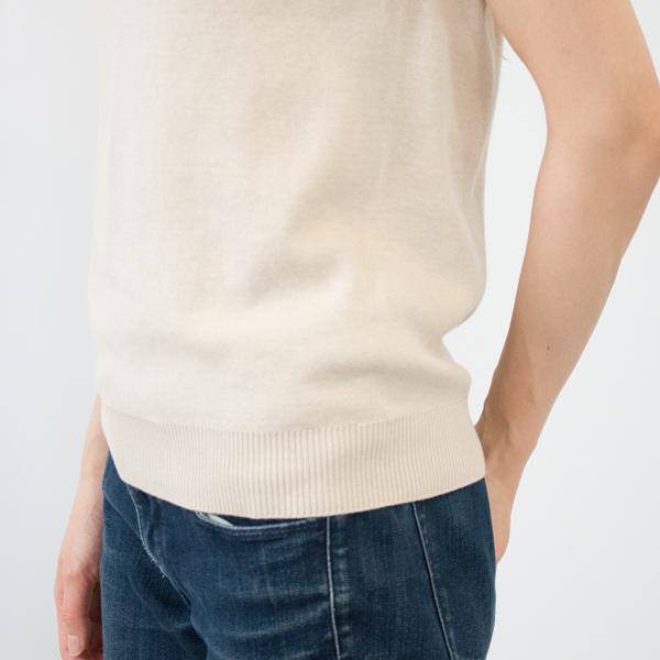 脇に縫い目のない丸胴仕様です