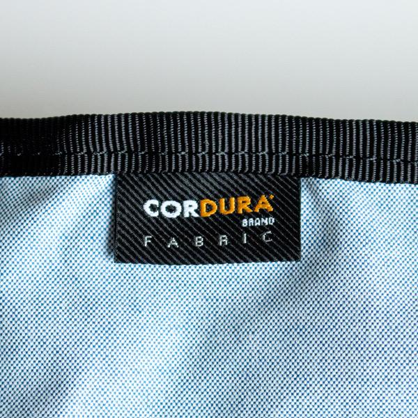 コットンとコーデュラナイロンの混紡で、摩擦に強い素材です