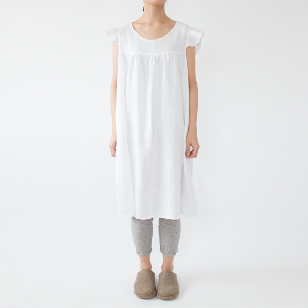 モデル身長:158cm(OPTICAL WHITE/下に履いたレギンスは商品に含まれません)