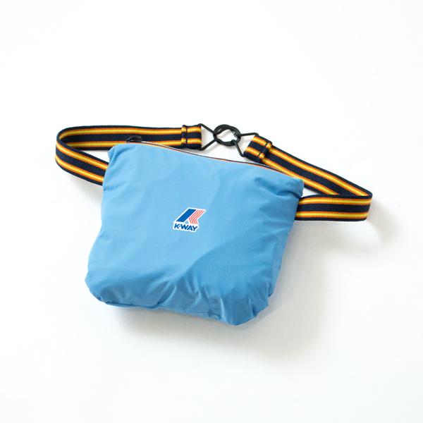 右ポケットをひっくり返すようにして小さく纏められる、パッカブルタイプ