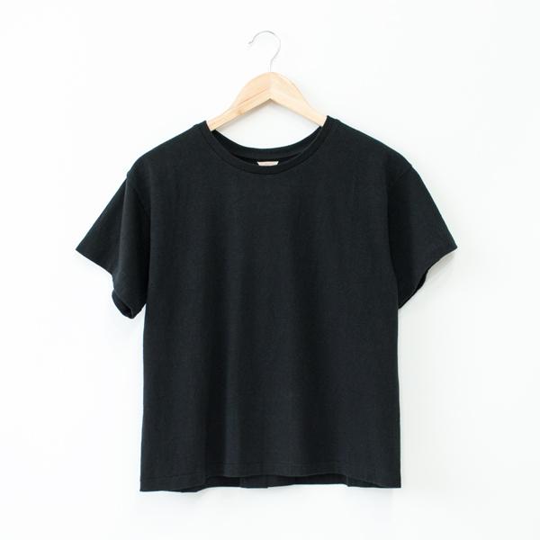 ERIN ボックスタックTシャツ(BLACK)