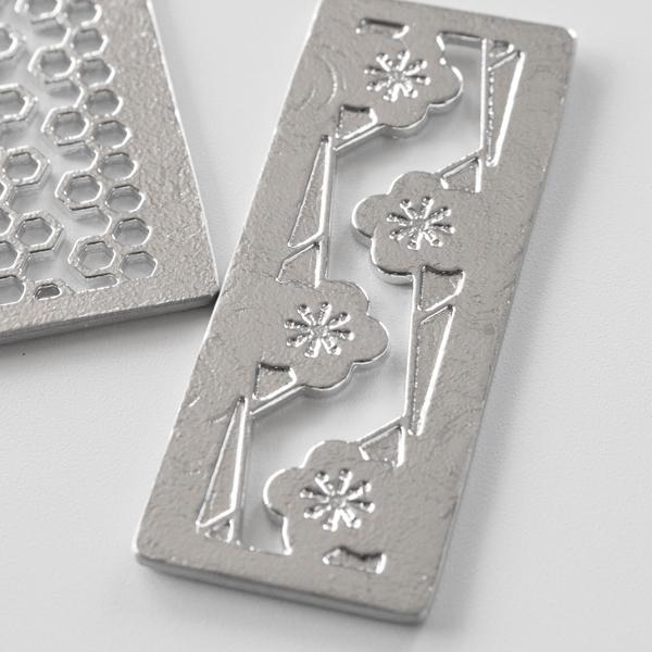 錫は抗菌作用が強く衛生的で、金属特有の臭いもしないので、食器にぴったりの素材です