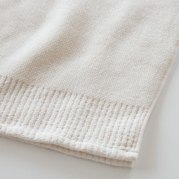 柔らかなオーガニックコットン50%、弾力のある特殊な糸50%合わせた綿100%(ベージュ)