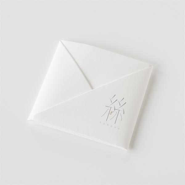 折り紙のようなパッケージ