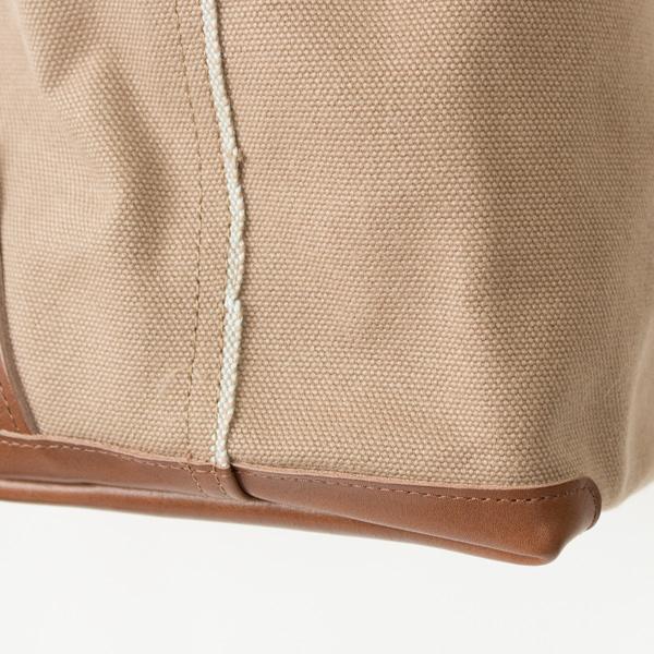 側面の美しいセルビッジがアクセントになり、上質な倉敷帆布を使っていることが一目で分かります