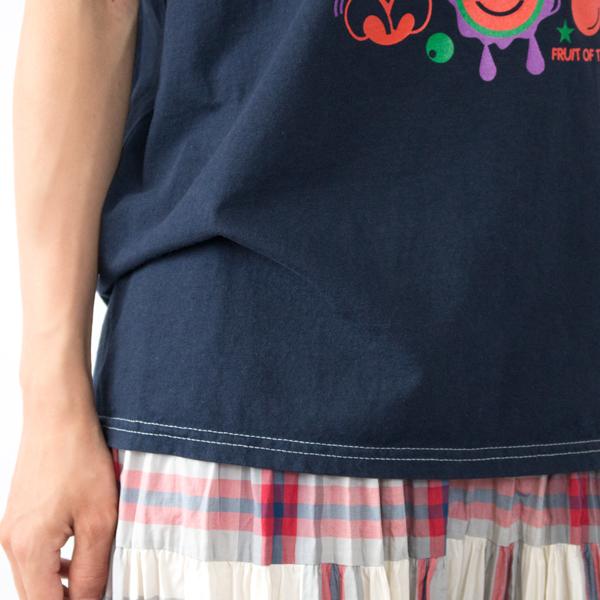 脇に縫い目がなく、着心地の良い丸編み仕様