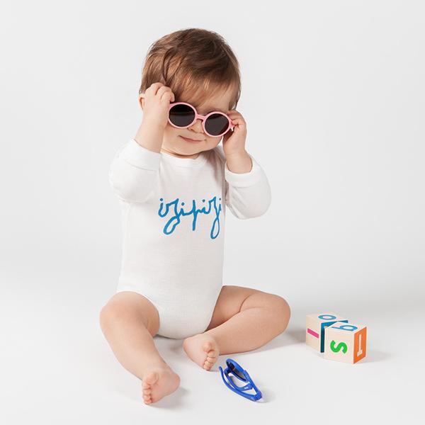 12〜36ヶ月くらいのお子さん向けのサングラスです