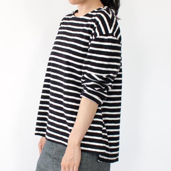 BLACK/WHITE(モデル身長:158cm)