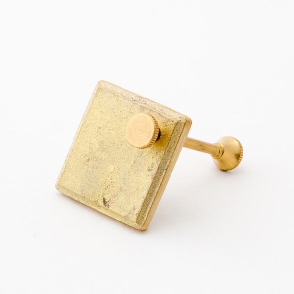 鋳肌キーホルダー(プレート 菱)