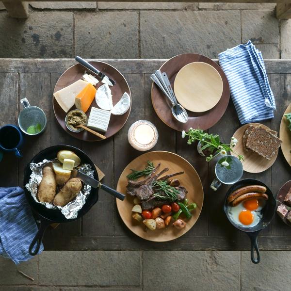 普段使いからおもてなしの食卓まで、幅広く対応できる洗練されたデザイン
