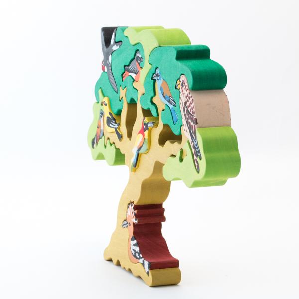 お部屋に飾ってインテリアとしても楽しめる、可愛い木製パズル