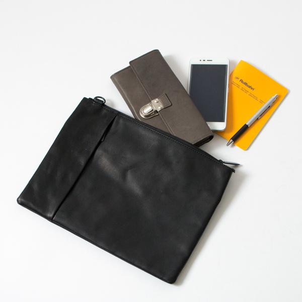 長財布も入るサイズ