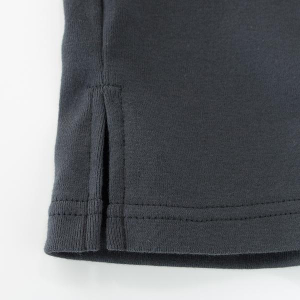 裾のスリット(GREY)