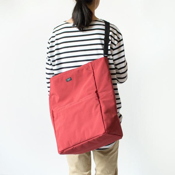 モデル身長:158cm(RED)
