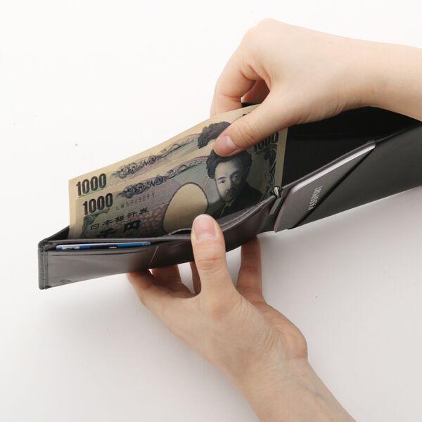 札入れは2倍の長さなので、チケットやレシート保管にも便利