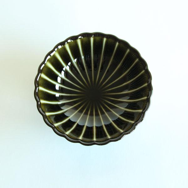 ぎやまん陶 浅小鉢は、おかずを小分けして使うときに最適