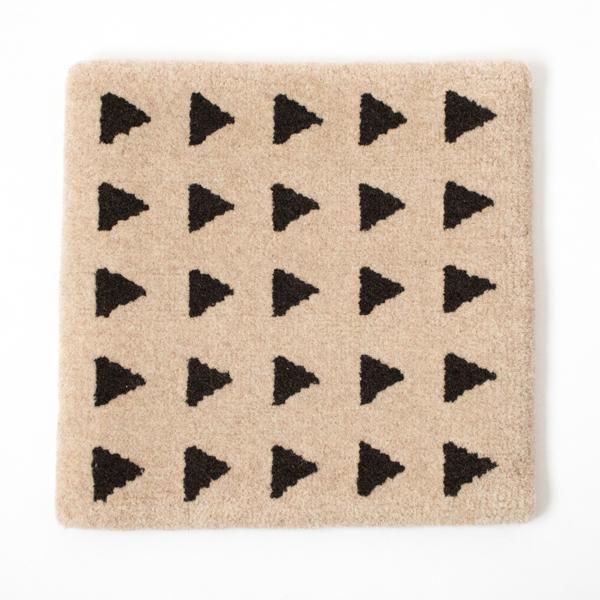 米沢絨毯 チェアラグ(うりぼう)