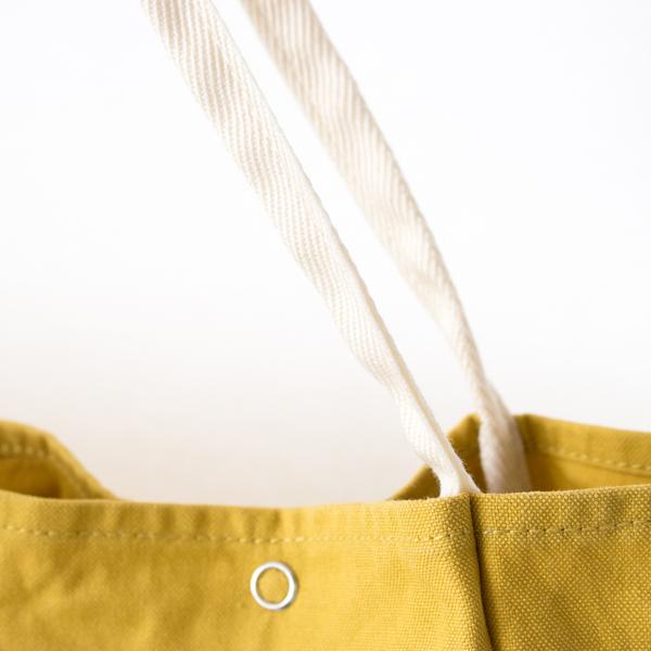 コットンライクな見た目で、メンテナンスし易く色移りし難い、アクリル繊維のテープ