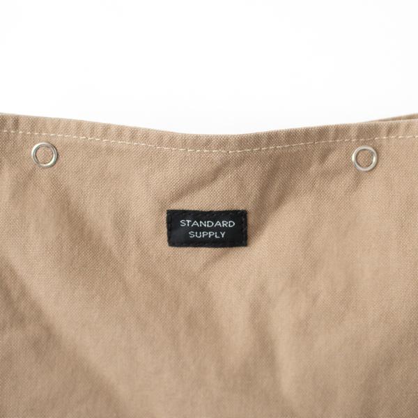 持ちやすさを考えて、帆布バッグにしては薄めの11号帆布を使用
