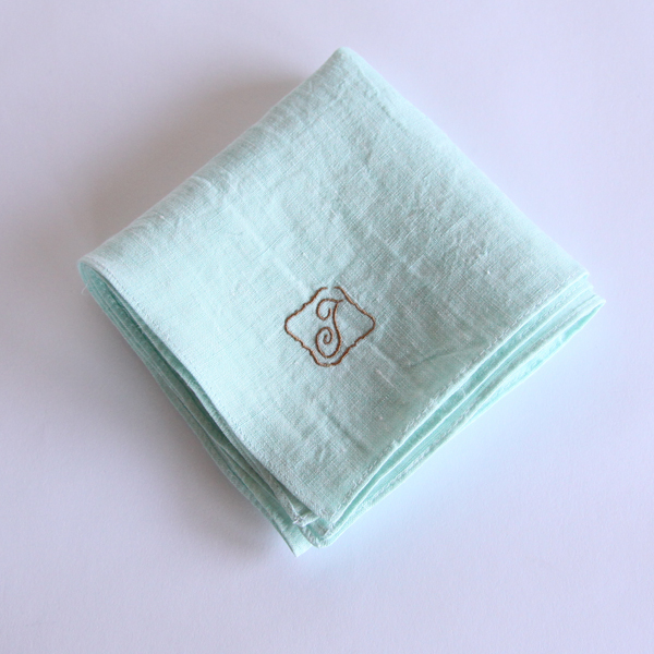 カラー刺繍ハンカチ T