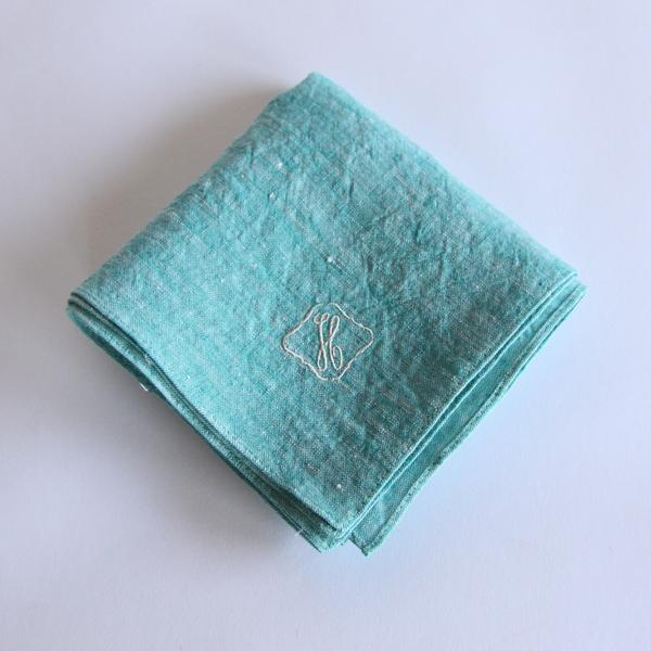 カラー刺繍ハンカチ H