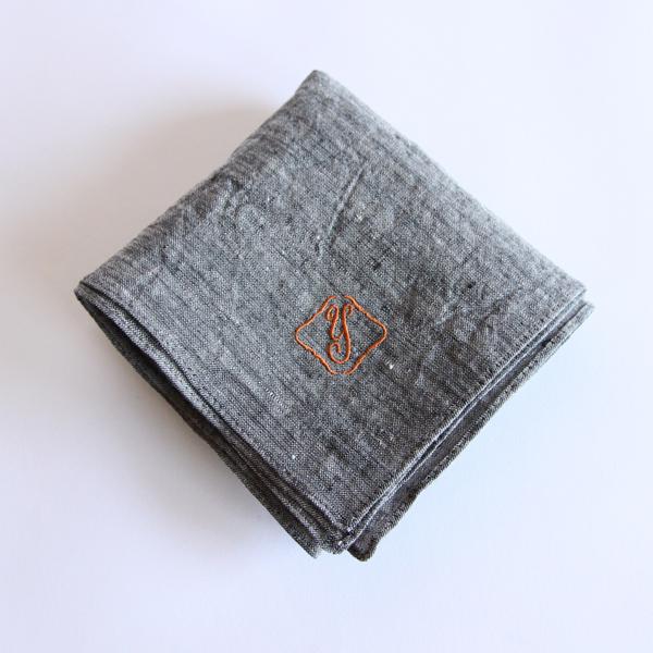 カラー刺繍ハンカチ Y