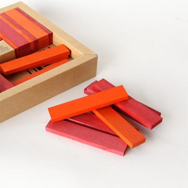 赤とオレンジ、2色のピースが入っています