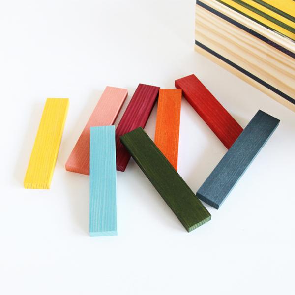 8色の積み木が合計100ピース入ったセット