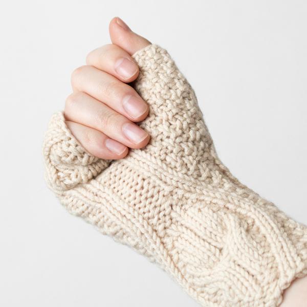 柔らかく、手の動きにしっかりフィット