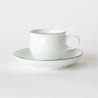 G-type coffee cup and saucer