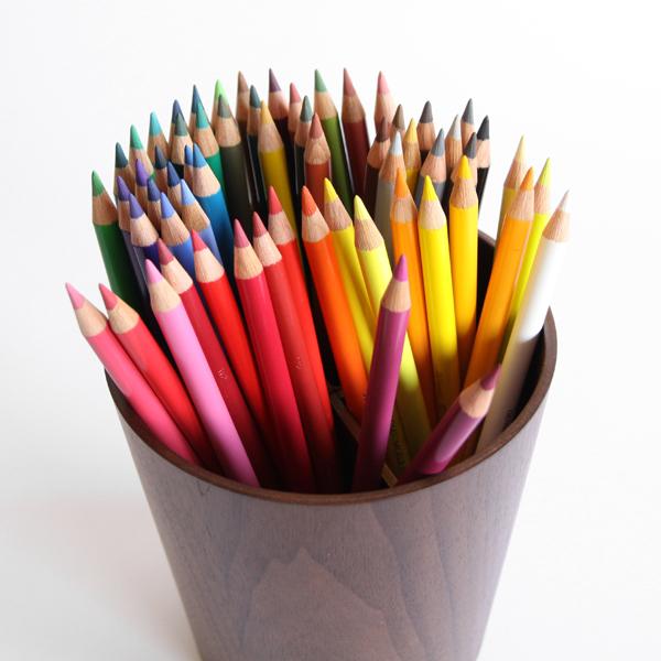 ポリクロモスとは、古代ギリシャ語で「多くの色」という意味