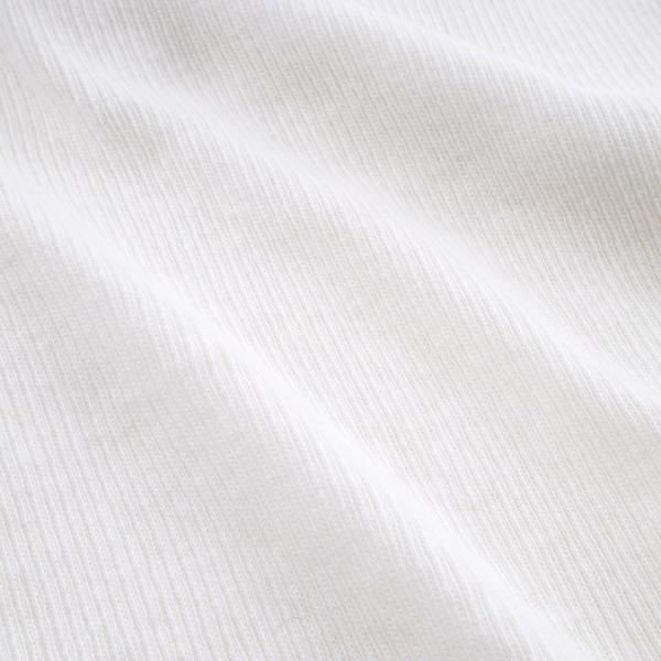 細いリブを入れて丁寧に編み上げた伸縮性の高いニット(WHITE)