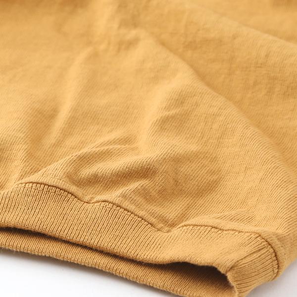 裾と袖はリブ仕様