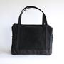 daily boston bag black