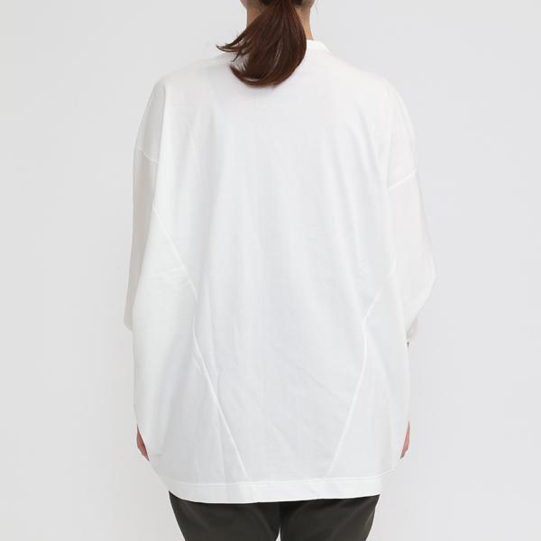 OFF WHITE(モデル身長:162cm)