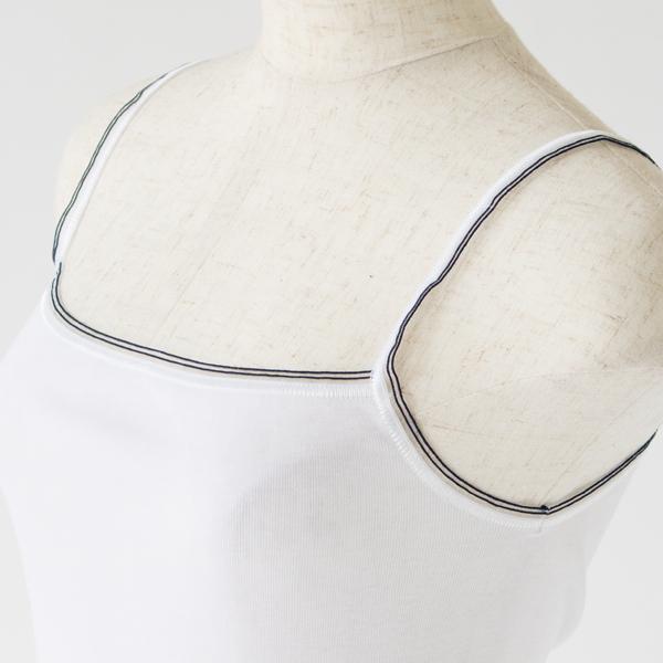 脇に縫い目のない丸胴編みのボディ