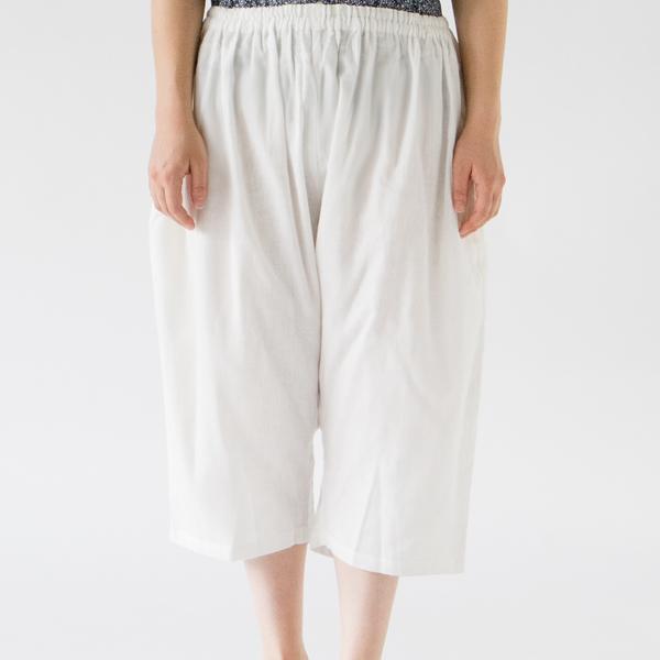 WHITE(モデル身長:167cm)