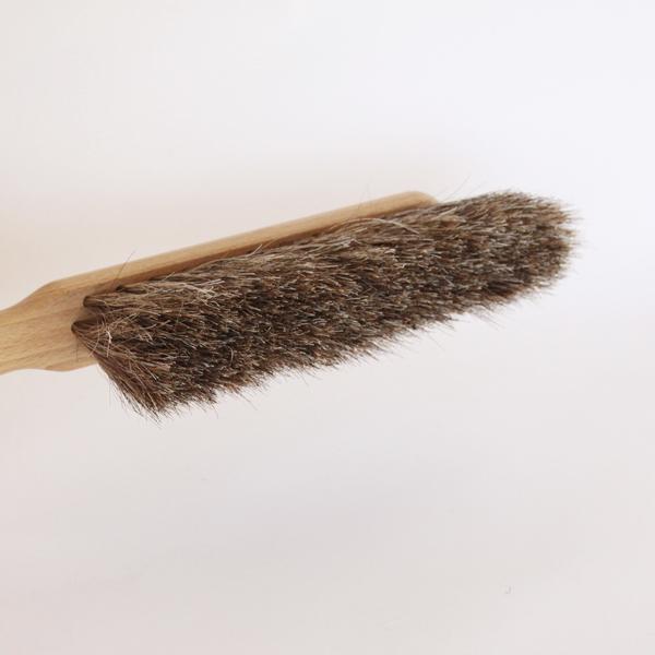 柔らかい毛先で、ホコリや塵をさっとお掃除出来ます