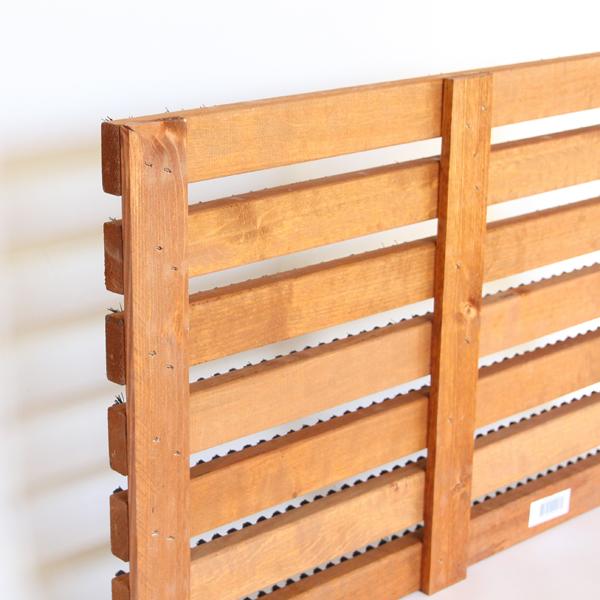 温かみのある木部とセットになることで、ナチュラルなデザインになっています