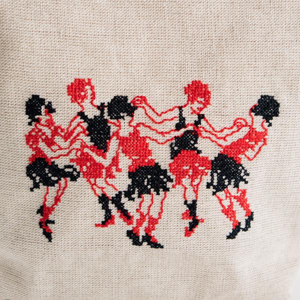 南仏アヴィニヨンの踊り子たちが踊る様子が描かれています