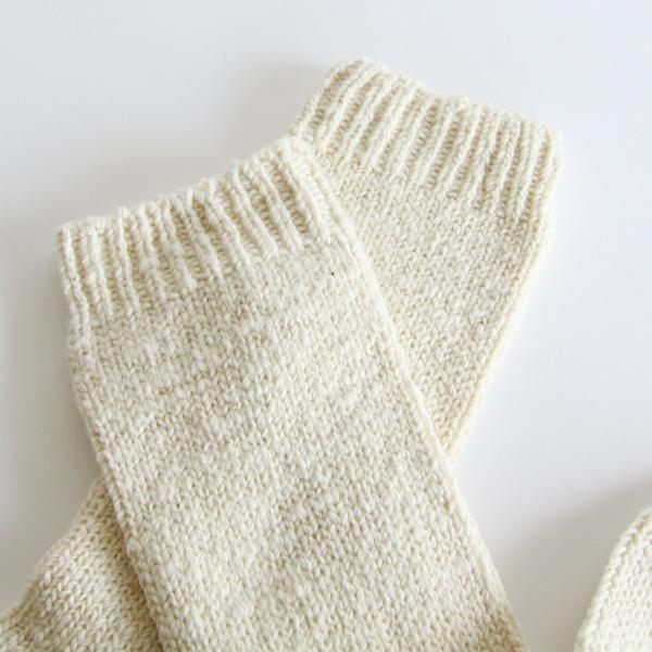 ざっくりとした編地が特徴