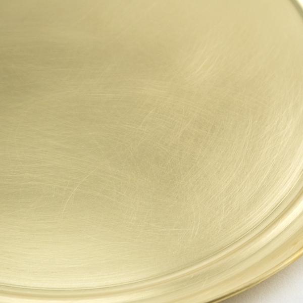 使うにつれて味わい深くなる真鍮素材