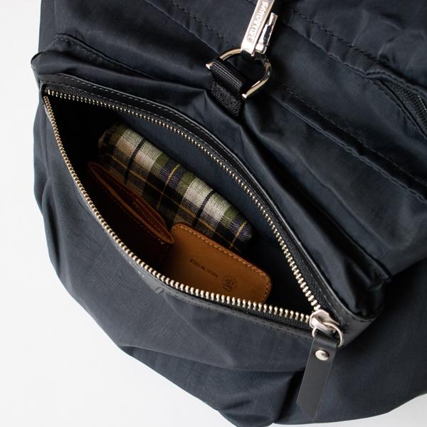 便利な外ポケット