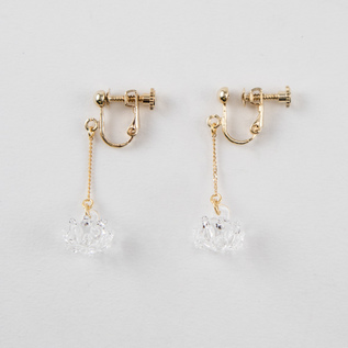 CLIP-ON EARRINGS WHITE CLOVER