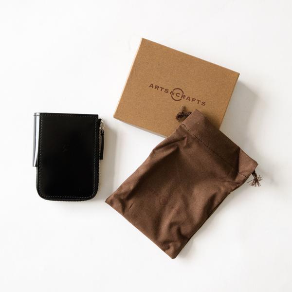 ブランド箱と巾着が付属
